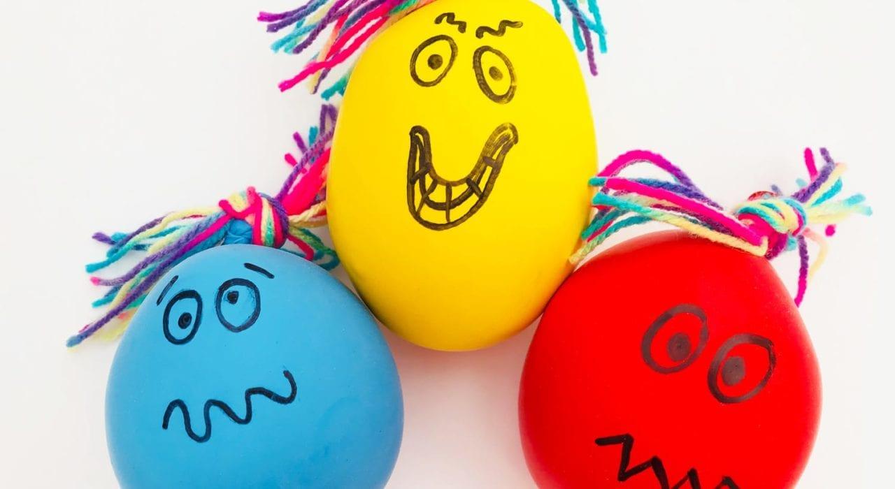 Fun kids crafts - balloon squish-monsters main