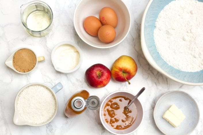 Cake pops - gluten free cake pops - apple cinnamon cake pops - bonfire night recipes - kids party recipes