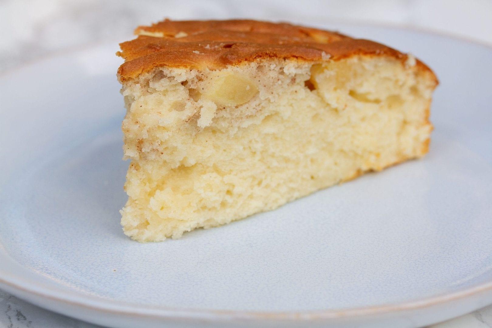 Gluten free cake - apple and cinnamon cake