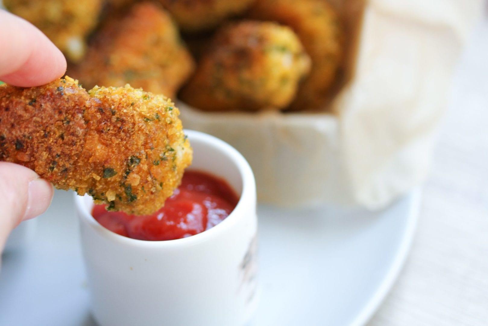Gluten free chicken nuggets - healthy kids recipes - ready (23)