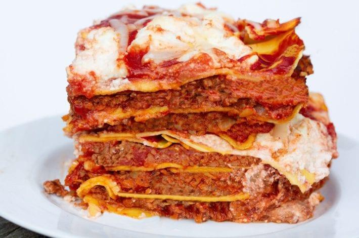 Lasagne - lasagna - beef lasagne - healthy family dinners