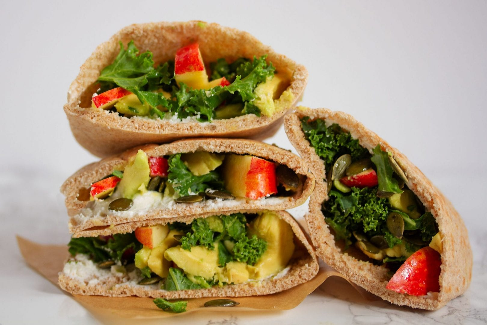 Lunch box ideas - lunch box sandwich - kale and apple pitta sandwich