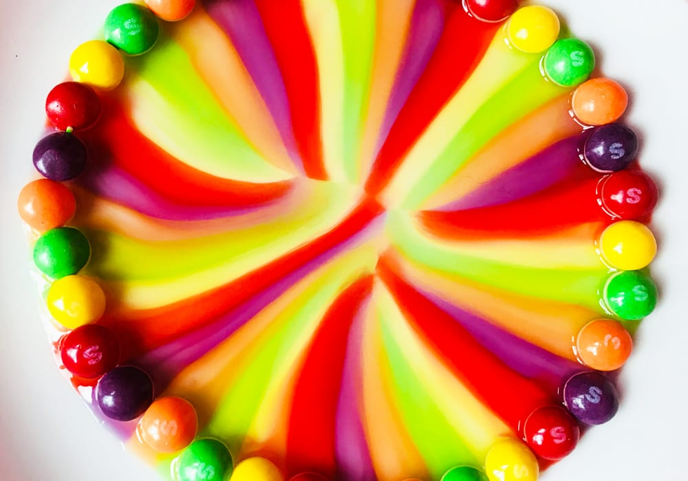 rainbow craft - melting skittles - experiments for kids