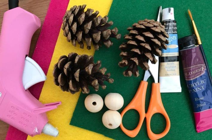 pine cone craft, pine cone elves, Christmas craft, kids crafts