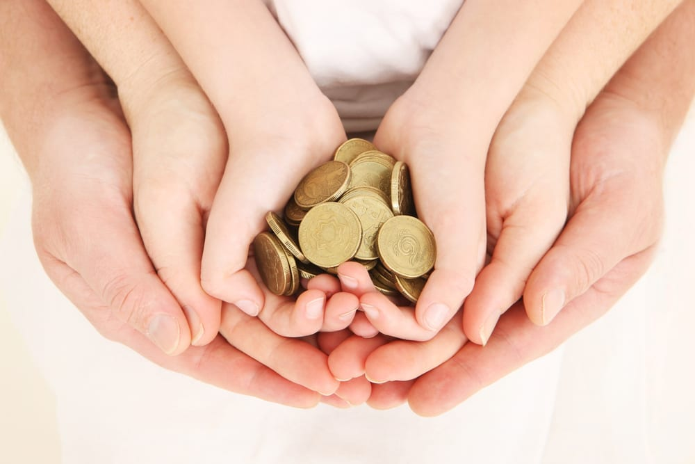 saving money - tips for saving money - family savings