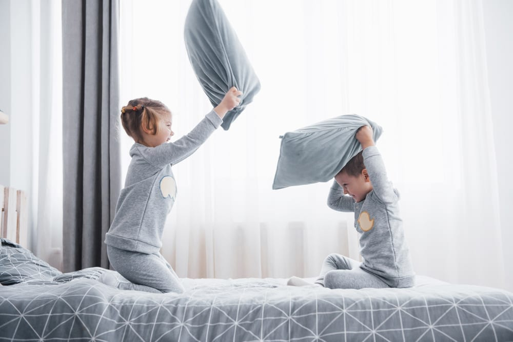 sharing a room - sibling bedroom share - sibling room share