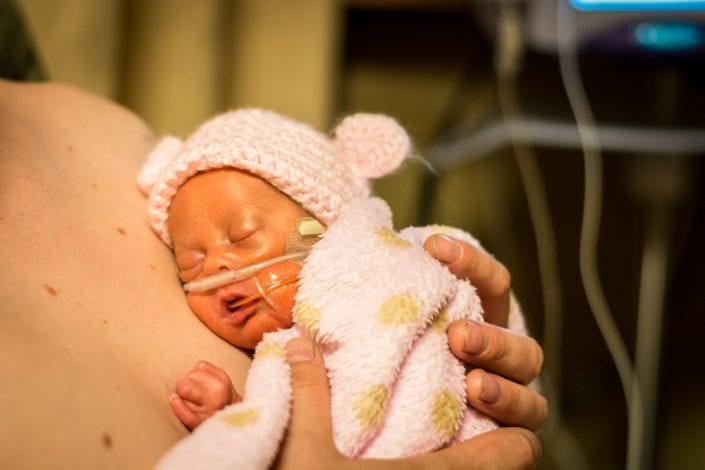 skin to skin - skin-to-skin - kangaroo care - power of touch newborns - power of touch to preterm