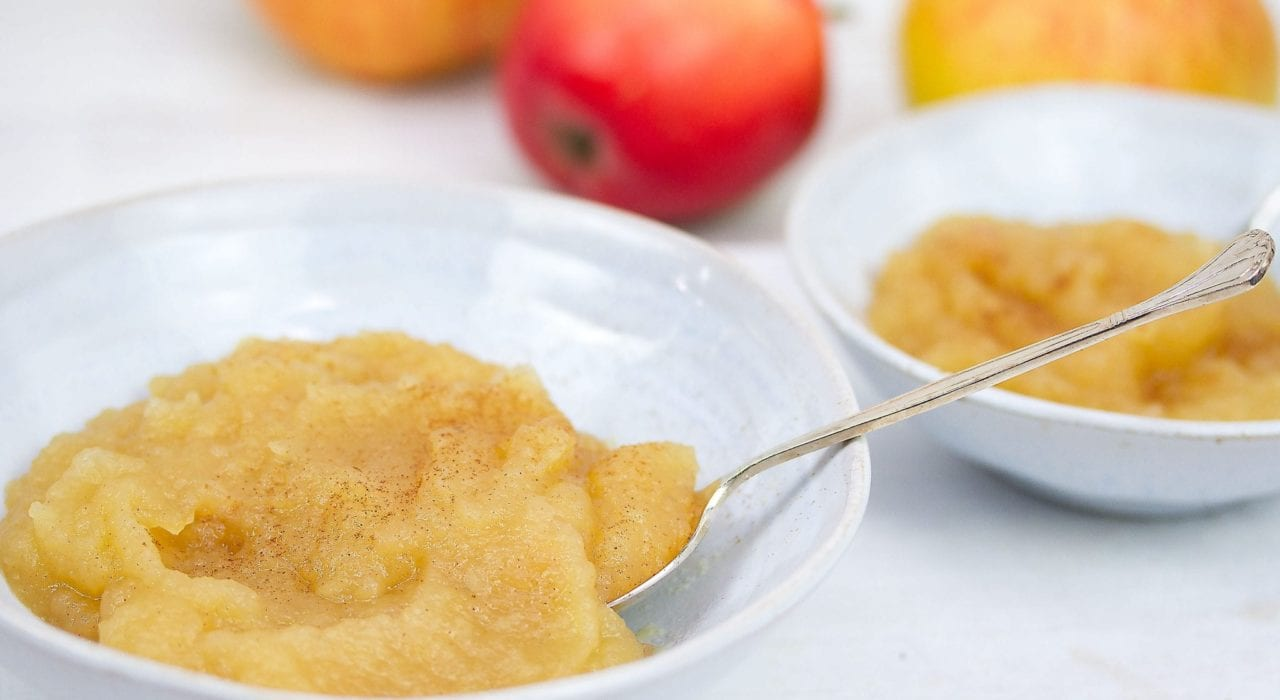 Apple sauce - try this homemade apple sauce as a breakfast spread or turkey side