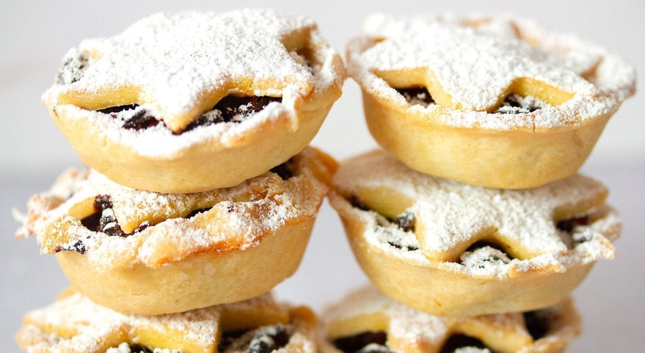 gluten free mince pies - try these mince pies which are gluten free and refined sugar free as well as completely yummy mince pies