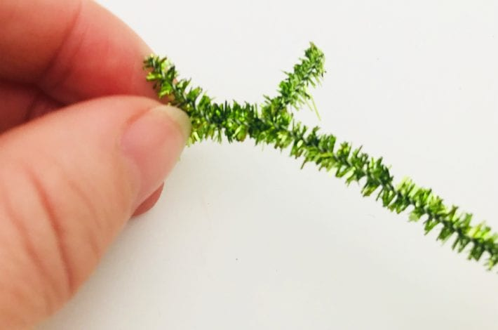 handmade christmas decorations - pipecleaner decorations