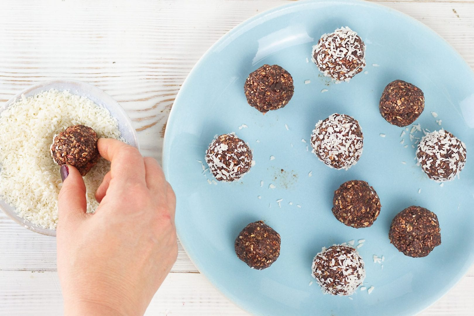 Bliss balls - chocolate and coconut bliss balls - enjoy these healthy energy bites