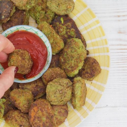 Broccoli tots no breadcrumbs - try these broccoli tater tos as a tasty way to get kids eating greens