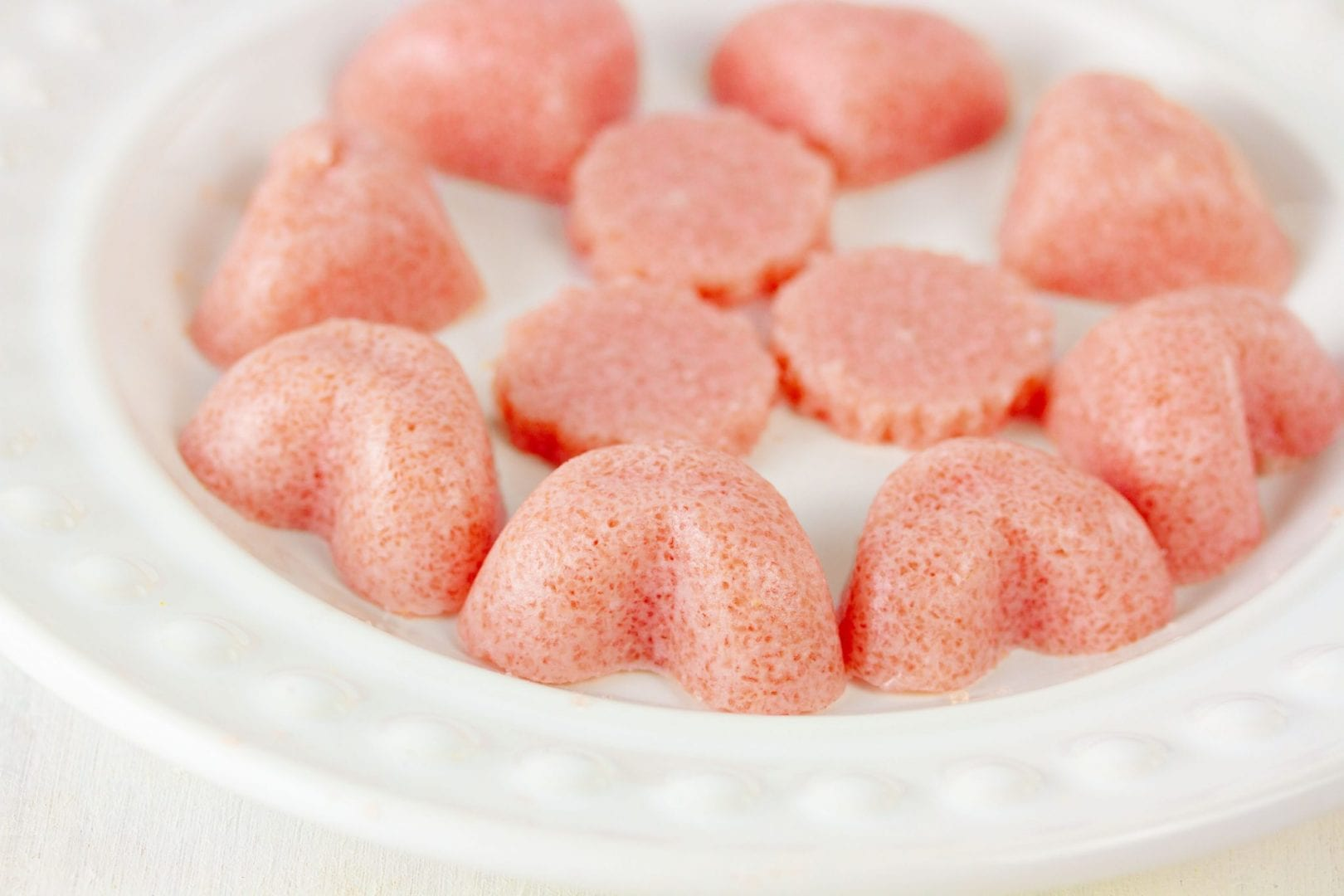 Raspberry gummies - enjoy making these simple homemade raspberry gummies with your kids