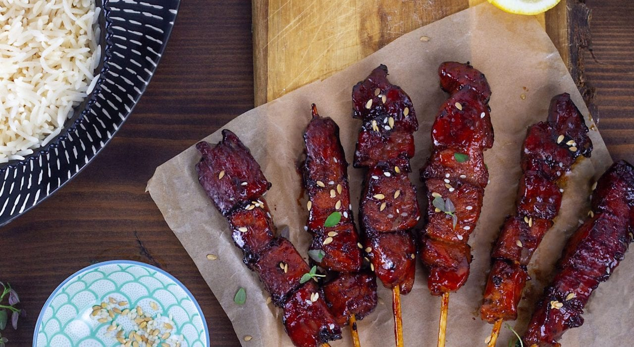 Sticky chicken skewers with honey and lemon
