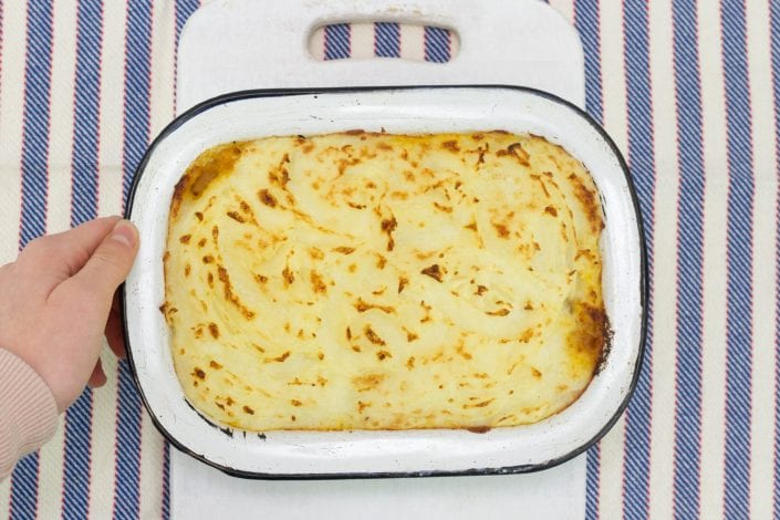 Chicken cottage pie - enjoy this healthy and lighter shepherds pie made with chicken. Great for family dinners