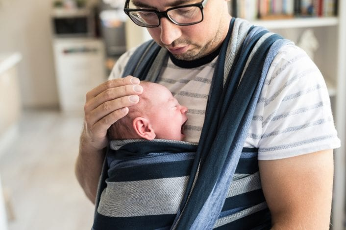 first time dad - a great guide to what to expect with your first newborn baby
