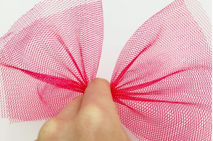 easy butterfly craft for kids - enjoy making these beautiful tulle butterflies with pegs and colourful tulle