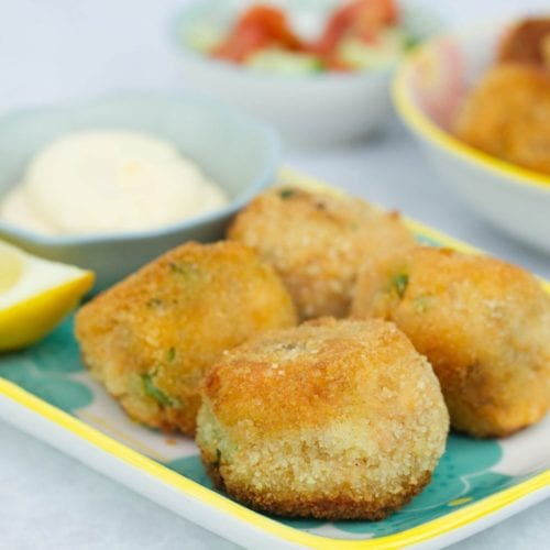 homemade salmon fish balls - these healthy and nutritious fish balls are great for family dinners