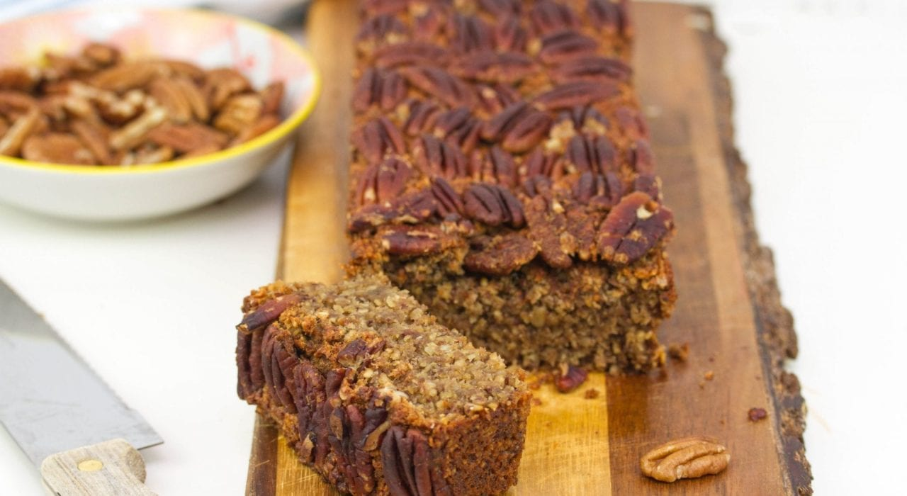 Dairy free banana bread - enjoy this vegan banana bread with is without dairy and without gluten or refined sugars