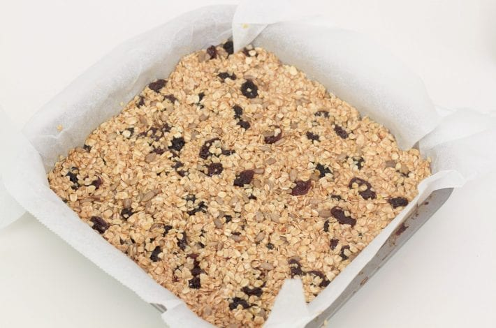 Healthy flapjacks - enjoy making these quick and easy raisin flapjacks - great toddler snacks free from refined sugars