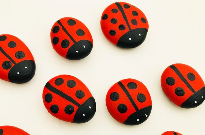 Ladybird counting game for kids - teach numbers to 10 and help toddlers learn to count the spots on ladybird's back
