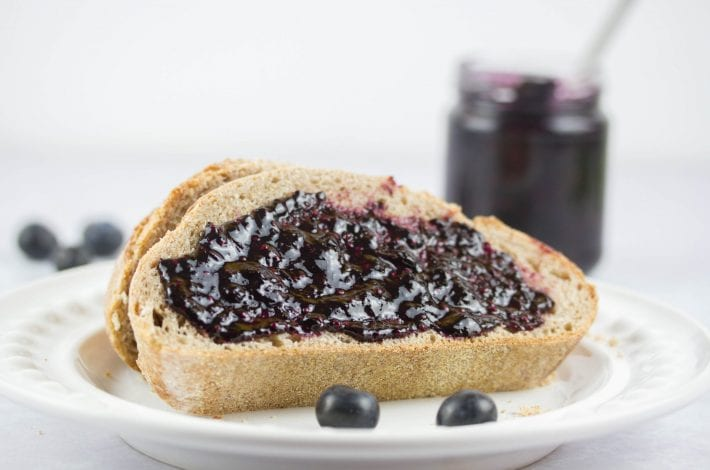 Blueberry jelly - make this homemade basil and blueberry jam as a fresh and healthy breakfast spread