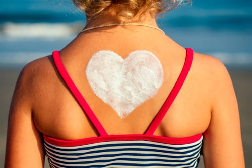PHYSICAL sunscreen versus chemical sunscreen - uncovering the myths about kids sun protection