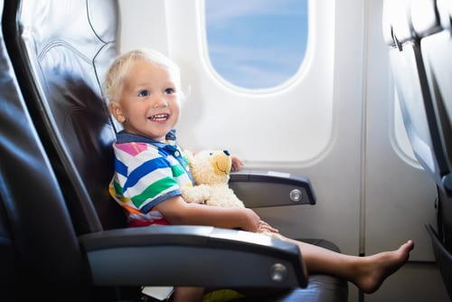 The essential guide to travelling with baby and toddler - how to manage plane flights and long trips with young kid
