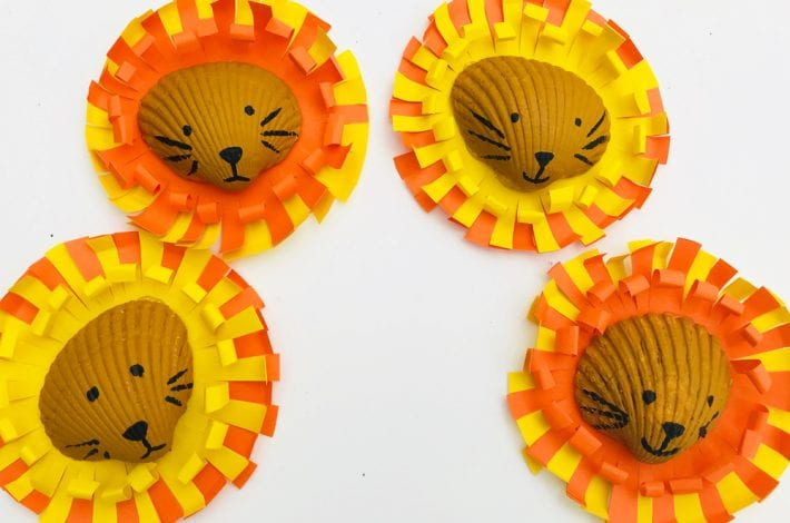 Little painted shell lions - a summer craft for kids