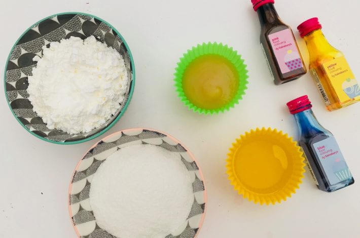 Edible playdough recipe - mix up these 4 simple ingredients to make this easy no cook playdough recipe that's OK for kids to eat as well